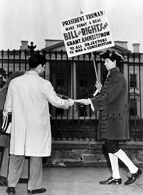 Compulsion Photograph - Nathan Horowitz Pickets The White House by Everett