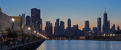 Sky Line Photograph - Navy Pier In Evening by Twenty Two North Photography