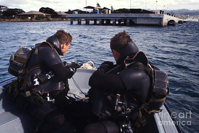 Photograph - Navy Seal Combat Swimmers Take Compass by Michael Wood