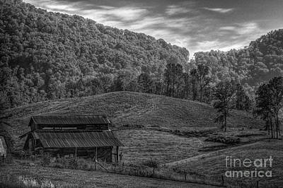 Photograph - Nc Barn by David Waldrop