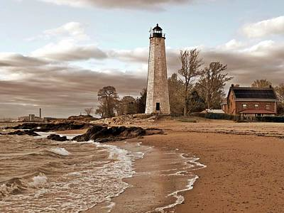 New Haven Lighthouse Print by Frank Garciarubio