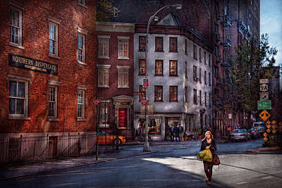 Greenwich Village Photograph - New York - City - Greenwich Village - Northern Dispensary  by Mike Savad