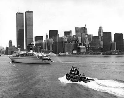 Tugboat Wall Art - Photograph - New York City Harbor by Underwood Archives