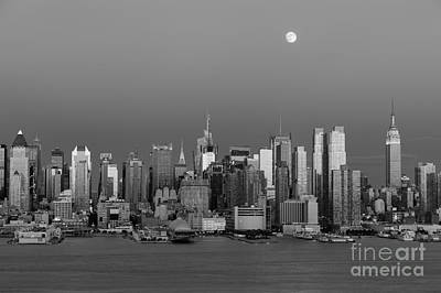 Photograph - New York City Moonrise II by Clarence Holmes