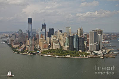 New York City Sky Line Art Print by Linda Asparro