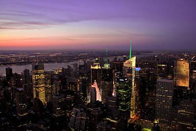 Manhattan Buildings Photograph - New York Lights by Ezequiel Rodriguez Baudo