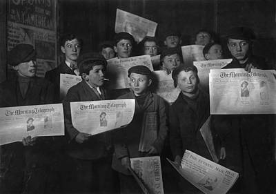 Newsboys, From Caption 2 A.m., Papers Art Print by Everett