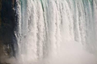 Niagara Falls Art Print by Steve Gadomski