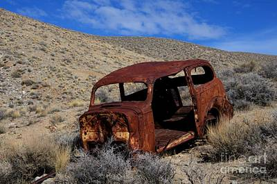 Rusted Cars Photograph - Nice Body by Bob Christopher