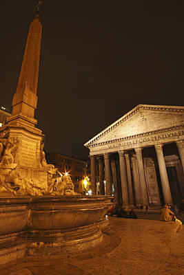 Night Lights Of The Pantheon In Piazza Art Print by Trish Punch