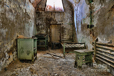 Eastern State Penitentiary Wall Art - Photograph - No Hope Left by Paul Ward