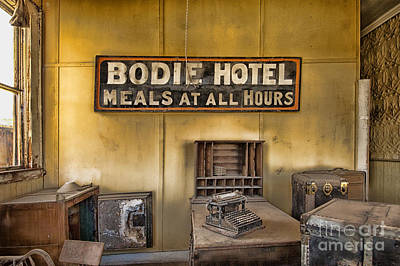 Photograph - No Vacancy by Sandra Bronstein