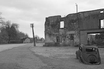 In Ruin Photograph - Nobody Left by Georgia Fowler