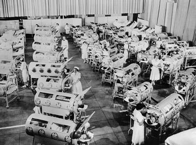 Infantile Paralysis Photograph - Nurse Attend To A Room Full Of Polio by Everett