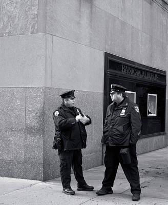 Photograph - Ny Beat Cops Holding The Banana Republic by Lorraine Devon Wilke