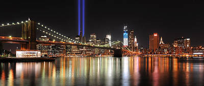 Nyc - Manhattan Skyline 9-11 Tribute Art Print by Shane Psaltis