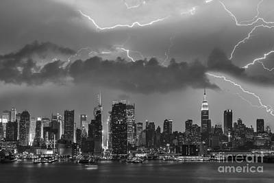 Nyc All Charged Up Bw Art Print by Susan Candelario