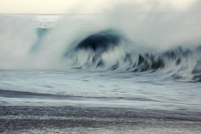 Oahu Morning Wave Art Print by Vince Cavataio - Printscapes