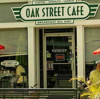 Photograph - Oak Street Cafe by Shelley Bain
