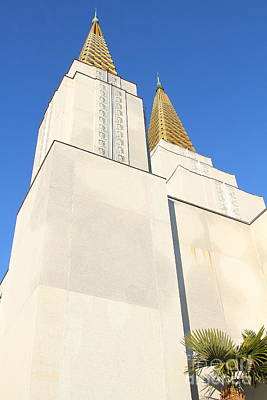 Photograph - Oakland California Temple . The Church Of Jesus Christ Of Latter-day Saints . 7d11345 by Wingsdomain Art and Photography