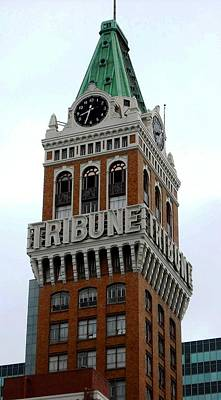 Photograph - Oakland Tribune Building by Kelly Manning