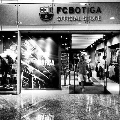 Sports Photograph - Official Store by Tommy Tjahjono