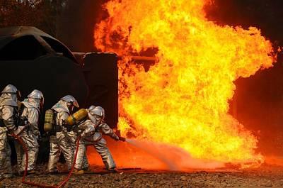 Ohio Air National Guardsmen Extinguish Art Print