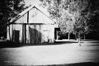 Photograph - Ohio Shed Bw by Paulette B Wright