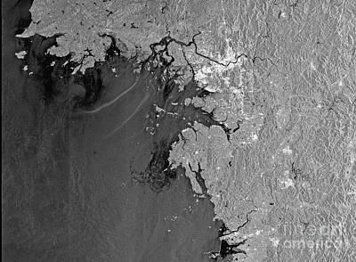 Oil Spill Off Korea Art Print by Nasa