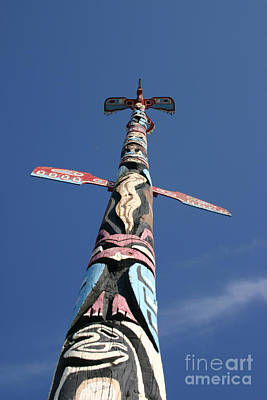 Photograph - Ojibway Totem Pole by Alyce Taylor