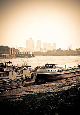 Photograph - Old And New London Town by Lenny Carter