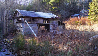 Photograph - Old Barn And House Along Slickfisher Road by Duane McCullough