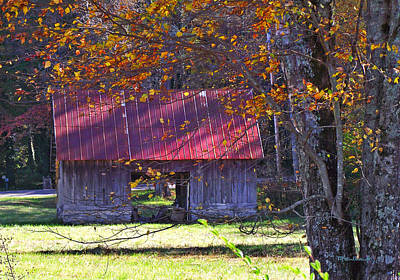 Photograph - Old Barn In Dunn's Rock 2 by Duane McCullough
