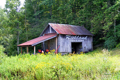 Photograph - Old Barn Near Silversteen Road by Duane McCullough