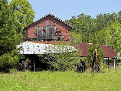 Photograph - Old Barn by Ralph Jones