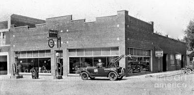 Photograph - Old Car Gas Station by Cris Hayes