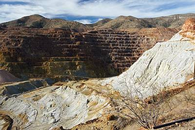 Bisbee Photograph - Old Copper Mine At Bisbee by Bob Gibbons