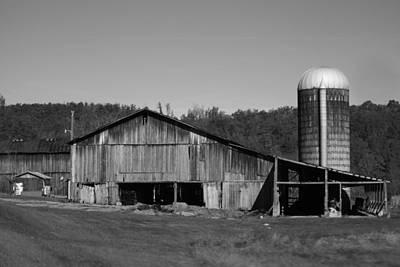 Old Farm Barn In Kentucky Art Print