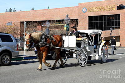 Old Sacramento California . Horse Drawn Buggy With California State Railroad Museum In The Back Art Print