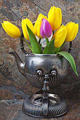 Old Tea Pot And Tulips Art Print by Garry Gay