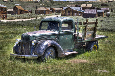 Photograph - Old Truck In Meadow  by Joe  Palermo