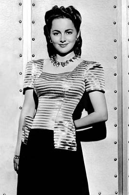 Colbw Photograph - Olivia De Havilland, Warner Bros by Everett