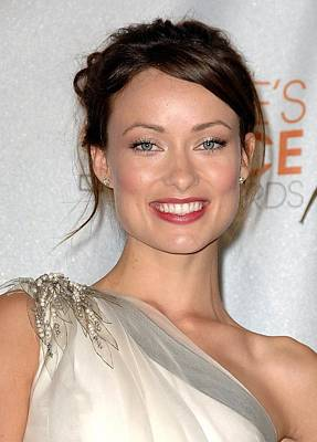 In The Press Room Photograph - Olivia Wilde In The Press Room by Everett