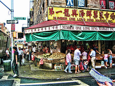 On Tour In Chinatown-nyc Art Print by Anne Ferguson