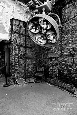 Of Ers Photograph - Operating Room - Eastern State Penitentiary - Black And White by Paul Ward