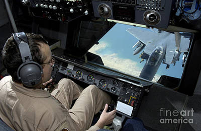 Operator Refuels An F-16 Fighting Art Print by Stocktrek Images