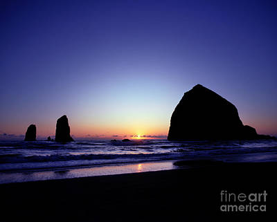Photograph - Oregon - Haystack Rock 2 by Terry Elniski