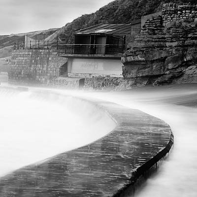Scarborough Photograph - Over The Wall by Ian Barber
