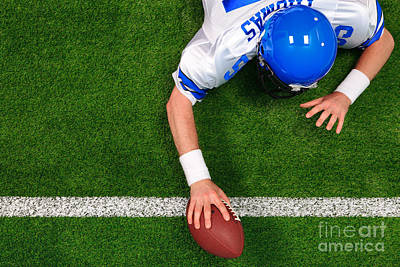 Overhead American Football Player One Handed Touchdown Art Print by Richard Thomas