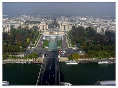 Photograph - Palais De Chaillot by Frank Wickham